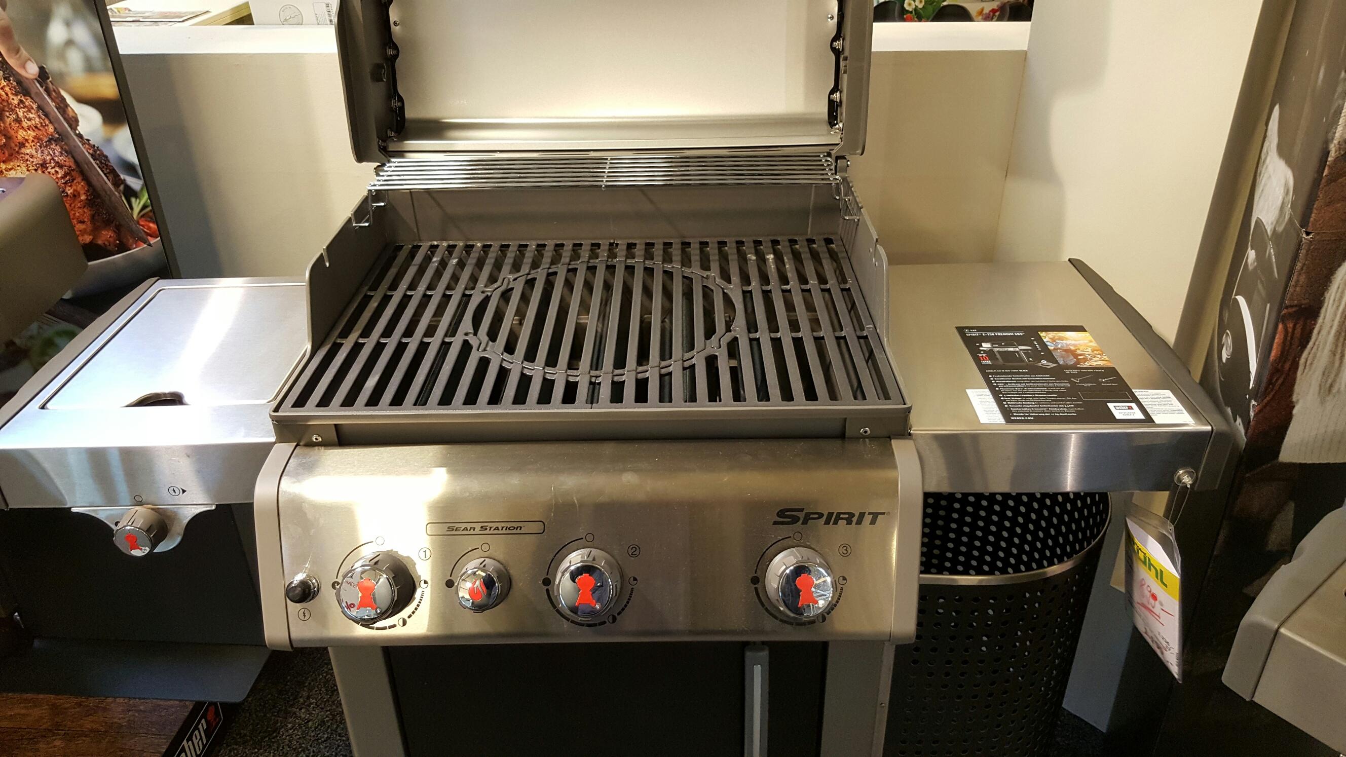 m bel buhl wolfsburg verschiedene weber grills im abverkauf ab 349. Black Bedroom Furniture Sets. Home Design Ideas