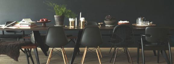 ikarus designerstuehle und tisch