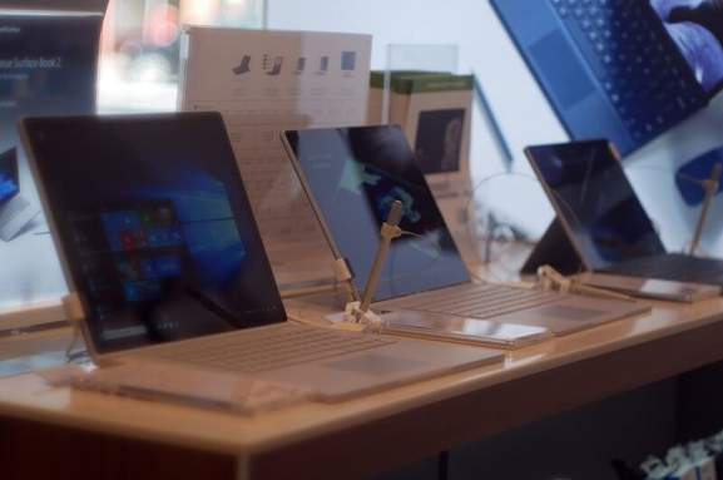 GRAVIS Microsoft Surface
