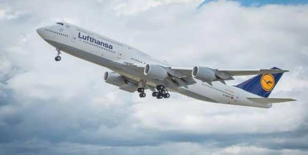 Ein Lufthansa Flugzeug