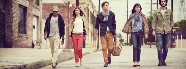 Jacken, Schuhe und Hosen von der Marke