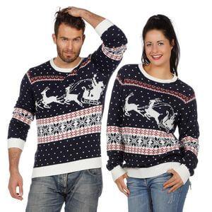Weihnachtspullover fuer Damen und Herren von real