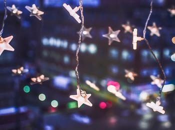 Weihnachtsbeleuchtung Lichtervorhang