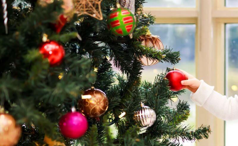 Christbaumschmuck rote Weihnachtsbaumkugel