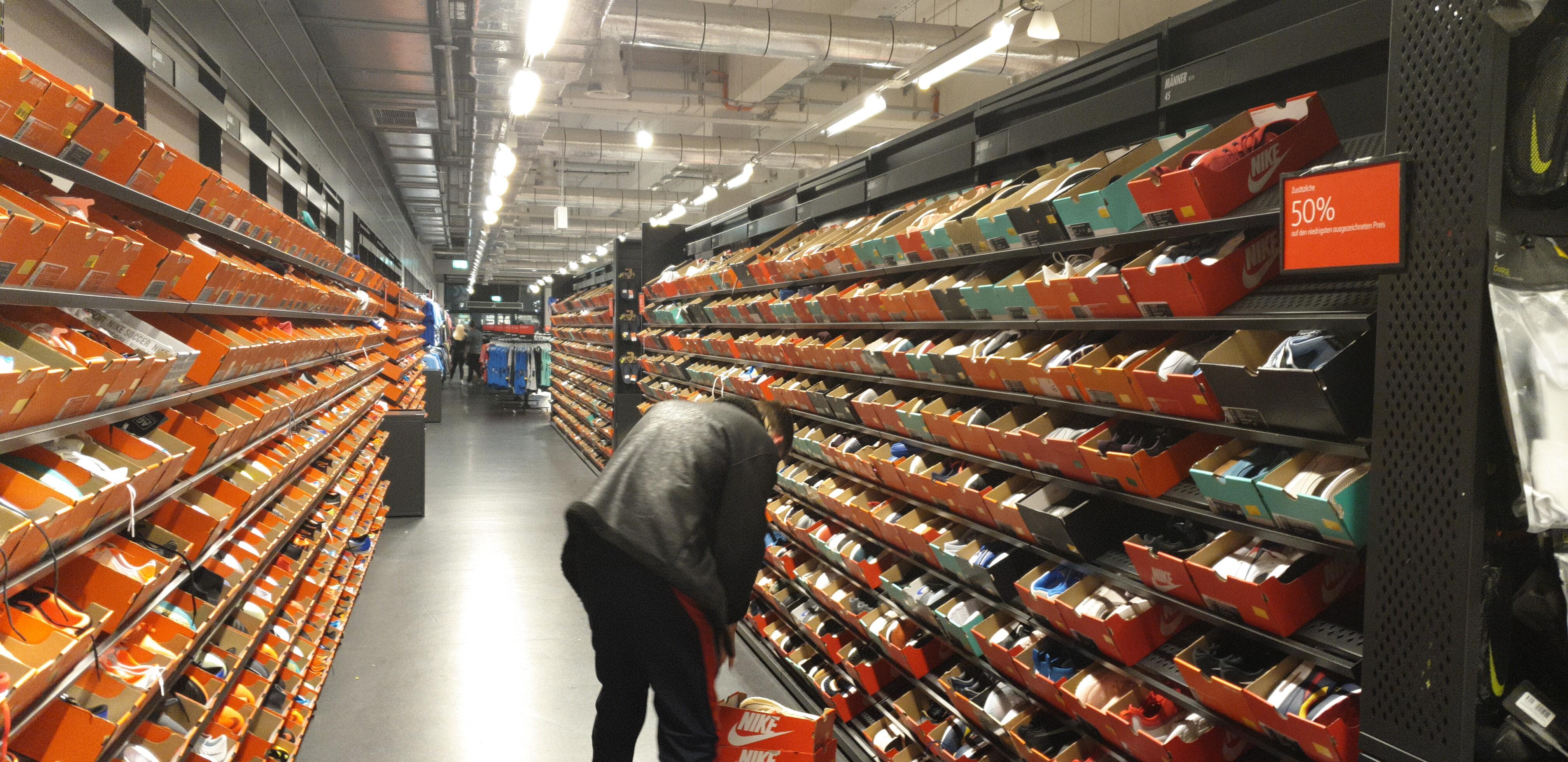 d47d50c09ae58 Nike Clearance Store Kerpen 50% auf reduzierte Schuhe - mydealz.de