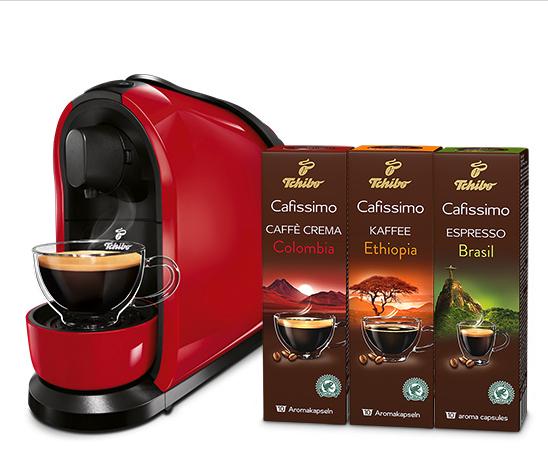 tchibo cafissimo pure kaffeemaschine in wei schwarz und. Black Bedroom Furniture Sets. Home Design Ideas