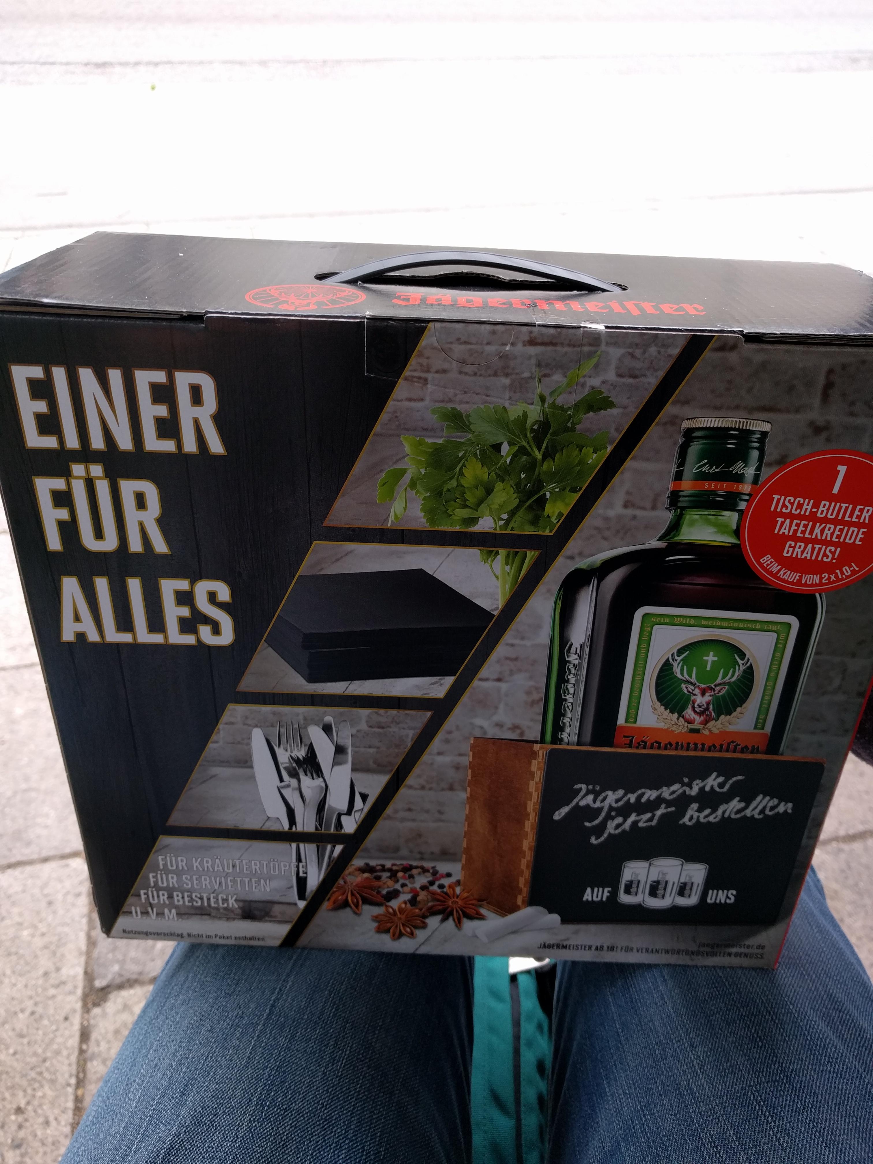 [Lokal München?] 2x1 Liter Jägermeister Geschenkset