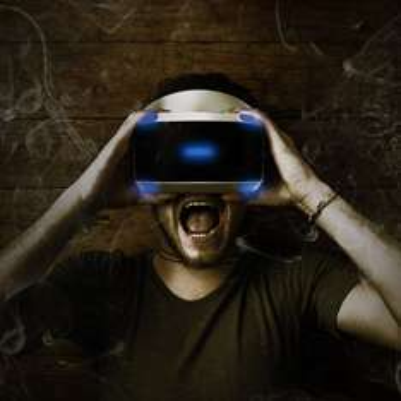 Sony PlayStation VR Brille + PlayStation VR Worlds + Resident Evil 7 Biohazard + PS4 Kamera im Set für 422,- [Media Markt]