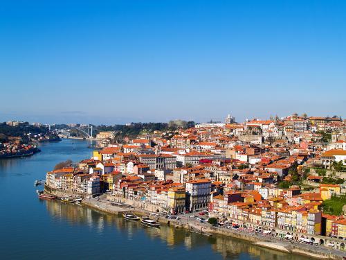 Ab April von Nürnberg nach Porto oder Malaga mit Ryanair für 84€ fliegen! (Hin u. Rückflug, Handgepäck)