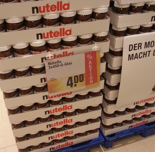 lokal: Gießen, Rewe Grünberger Straße, 3*450g Nutella für 4,00€