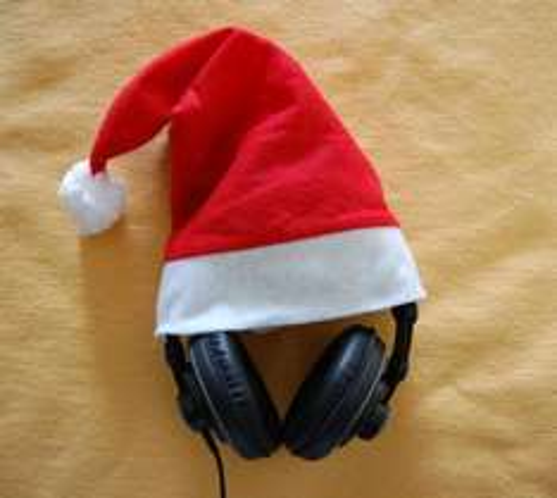 X-Mas für die Ohren! Kopfhörer Superlux HD-681 B