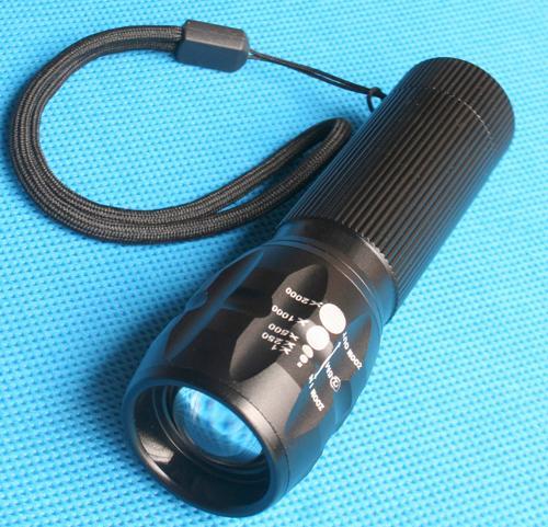 Cree Q5 Taschenlampe (240 Lumen) mit Tasche für 5,78€ inkl. Versand @ Ebay