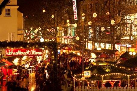 Tannenbäume vom Weihnachtsmarkt  Ottensen zu verschenken - LOKAL HAMBURG-