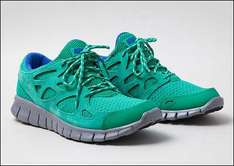 Sidestep Sneakers SALE / Nike Free Run+ 69,90/ Nike Capri Canvas 29,90