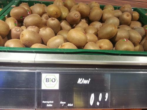 [lokal?] italienische Bio-Kiwis für 9 Cent @ Edeka Rostock