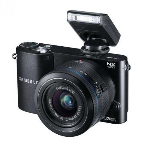 Samsung Systemkamera NX1000 Kit inkl. 20-50mm Objektiv + Aufsteckblitz für 289€ frei Haus