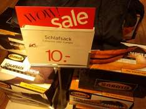 Globus Schlafsack Kampur/Kampster von 60€ auf 10€ reduziert, Karstadt Sports Düsseldorf