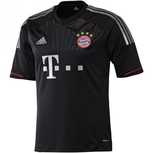 FC Bayern Trikot CL & away  für ca. 32,99 EUR + 5,49 VSK,  -- Werder Trikot für 24,20€ + 5,49 VSK @sportsdirect.com