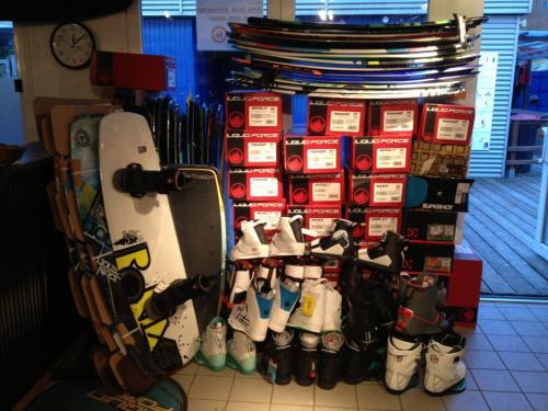 [Lokal] 40% auf alle 2012er Wakeboards im 4Boarder-Shop