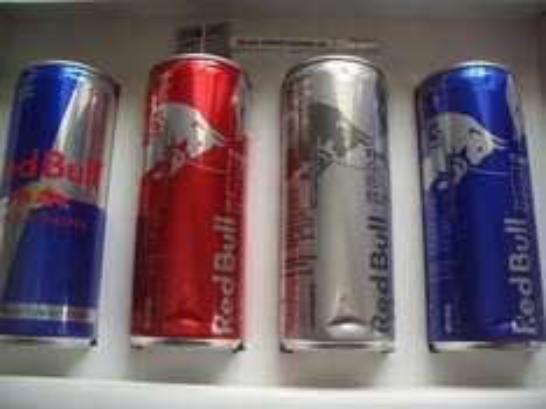 4 Dosen Red Bull + Kleinkram für umme