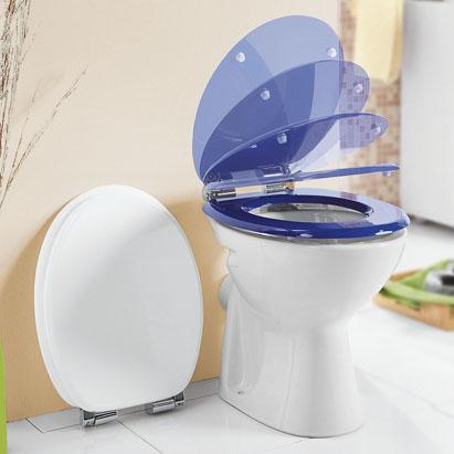 [@KAUFLAND bundesweit] ab 25.3.: WC-Sitz mit Absenkautomatik aus MDF-Holz in blau oder weiß