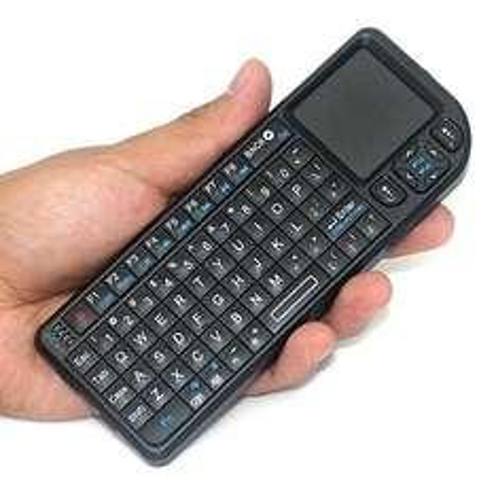Mini Funk Tastatur mit Touchpad und Laserpointer + Nano USB Empfänger für 18,80€