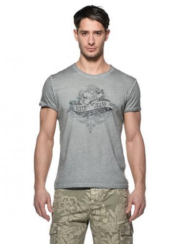 Rifle Jeans/ T-Shirts/ Hemden/ Pullis/ Kurze Hosen um mind. 50% reduziert