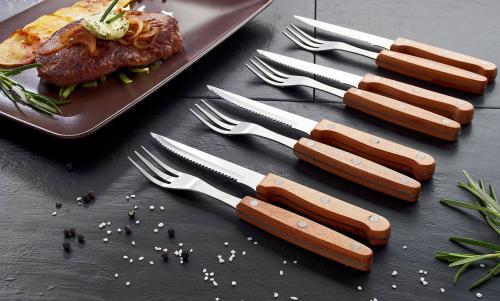 8-teiliges Steakbesteck mit Buchenholzgriffen.