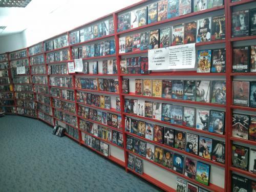 [LOKAL] Videothek Ausverkauf ! - DVDs 3,90 €; 2 Bezahlen + 1 gratis dazu