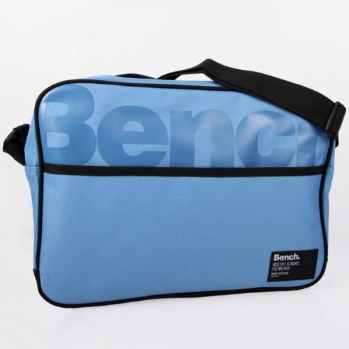 BENCH BARCLIFFE BAG BLUE Tasche für 17,90 Euro