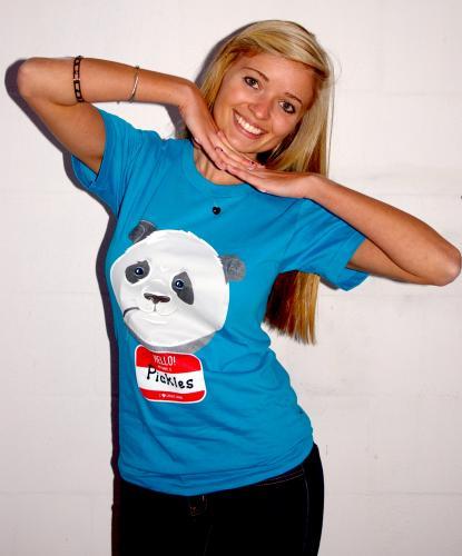 """1 Jahr Grooveshark Anywhere + """"Pickles the Panda"""" T-Shirt für ca. 22,80€ ($33,50) inkl. Versand oder Spende ans Japanische Rote Kreuz ca. 13,60€ ($20)"""