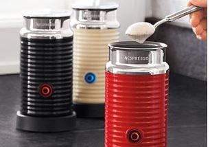 Nespresso Aeroccino 3 (rot, weiß oder schwarz) für 70€ inkl. Versand (nächster Idealo Preis 99,80€) auch Aeroccino+ für 70€