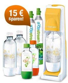 SodaStream Mega Pack inkl. 5 Flaschen, 2 Gas-Zylindern und Sirup für 69,89 EUR (statt ohne Sirup für 83,79 EUR)