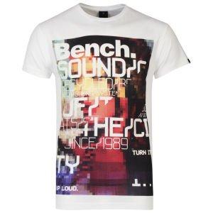 Bench Men's Flyer T-Shirt Weiss für 10€ @Zavvi