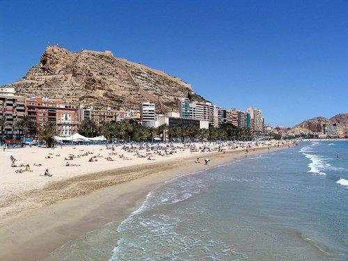 Flüge: Alicante / Spanien ab Basel 34,- € hin und zurück (Dezember)