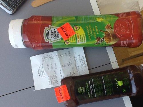 HP BBQ Saucen und Heinz Curry Gewürz Ketchup auf 0,99 € reduziert. MHD 08/2014