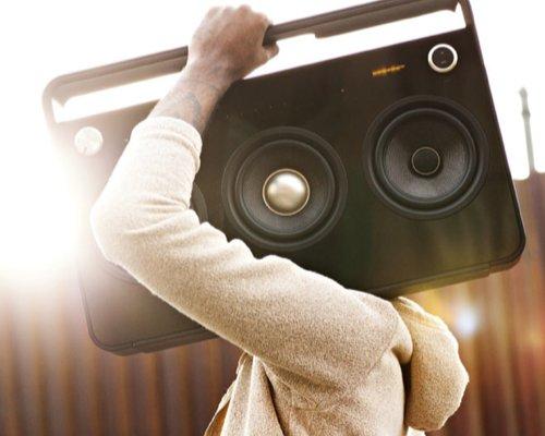 TDK 3 Speaker Boombox Audio System (Mit 3 Lautsprechern, FM-Radio, Trendiges Design) schwarz bei Amazon UK (IDEALO: 483 EUR)