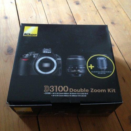 [Lokal - München] Nikon D3100 mit 18-55 und 55-200 stabilisiert für 377€