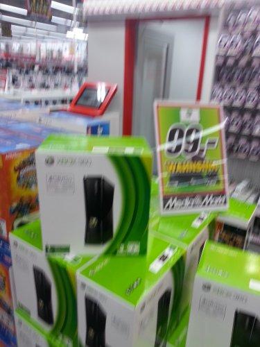 [Lokal Mediamarkt Paderborn] Xbox 360  4GB/Go für 99€!