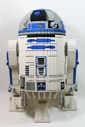 R2D2 in Originalgröße aus LEGO