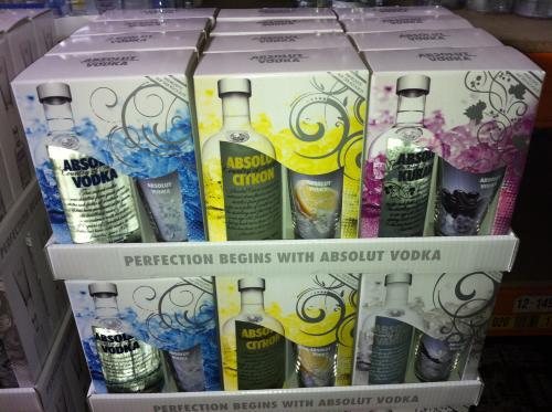 *lokal* Absolut Vodka 0,7l + Longdrink Glas für 9,77€ @ Famila Leer