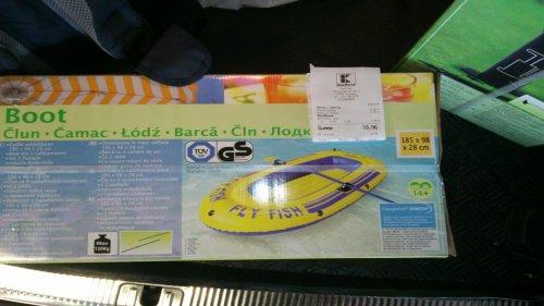 (ev. Lokal Kaufland Fellbach) Schlauchboot mit 120kg Zuladung und 2 Paddeln 9,99 Euro (ehemals 29,99€)