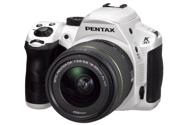 Pentax K-30 + 18-55mm WR für 472,65 € @Amazon.fr