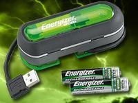 Kleines Energizer Duo USB-Ladegerät für AA und AAA Akkus + 2  Energizer AAA Akkus 900mAh bei Pearl
