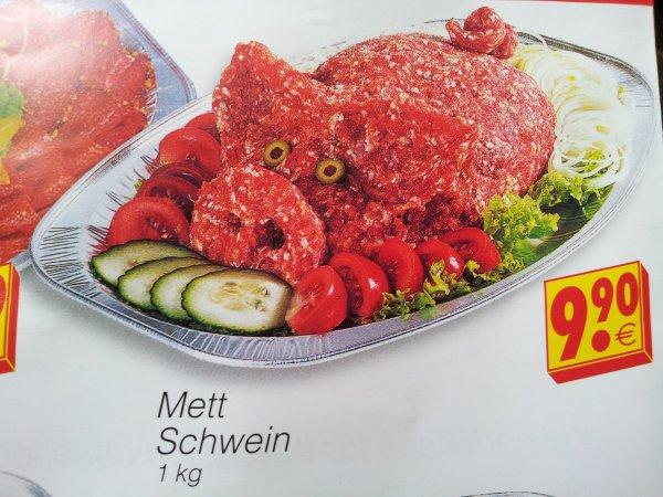 [offline] Mettschwein 1kg fertig angerichtet im Herkules Edeka mit Fleischtheke