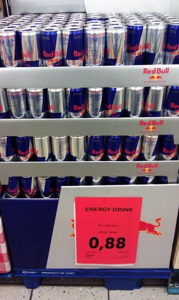 [Lokal] Red Bull 250ml Dosen für je 0,88€ (+Pfand) im Maxikauf Karlsruhe