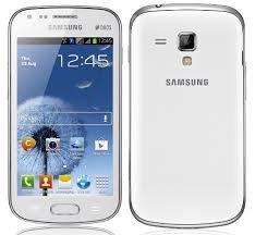 Samsung Galaxy S Duos in schwarzer und weißer Farbe [Ebay WOW]