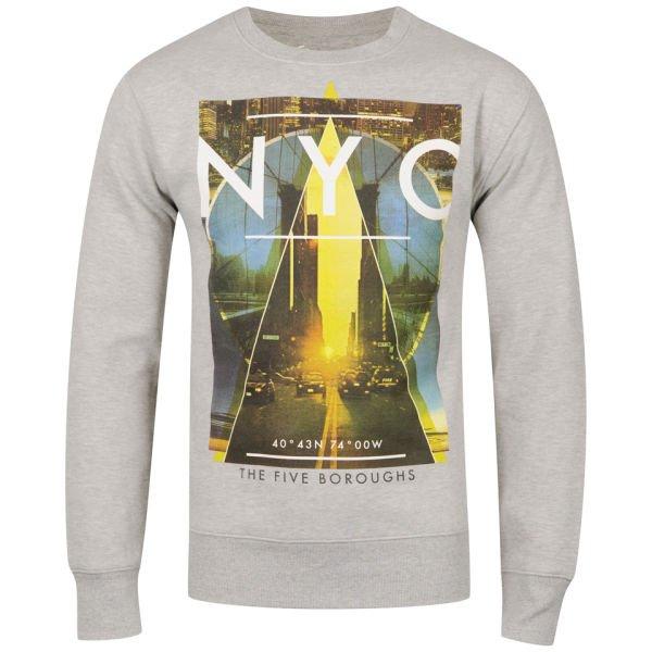 The Hut verschiedene ausgewählte Sweatshirts plus Boxfresh T-Shirt ab 14,65€