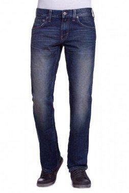 verschiedene Herren Mustang Jeans Modelle für je 29,95€ + 3,90€ Versand