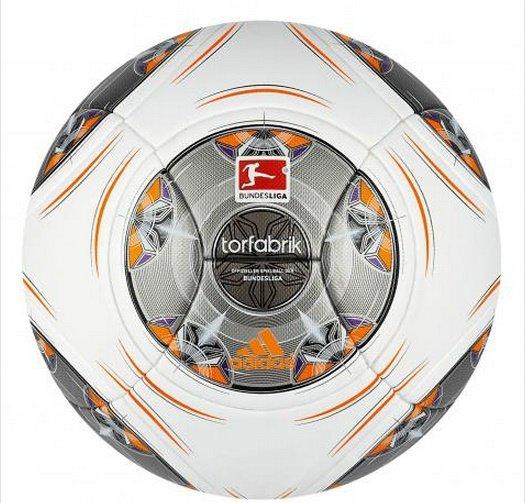 adidas Torfabrik OMB (offizieller Bundesliga-Spielball) 2013/14